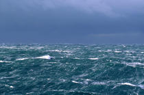 The sea is rough in the Raz de Sein. © Guillaume Plisson / Pêcheur d'Images / AA00031 - Photo Galleries - Storms