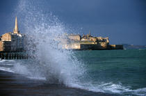 Ville close de Saint-Malo par gros temps. © Philip Plisson / Pêcheur d'Images / AA00126 - Nos reportages photos - Tempête