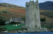 Tower in Achill Island. © Philip Plisson / Pêcheur d'Images / AA02574 - Photo Galleries - Ireland, the green island