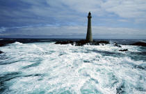 Rough seas in front of Skerryvore. © Philip Plisson / Pêcheur d'Images / AA05001 - Photo Galleries - Great Britain Lighthouses