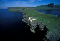 Neist Point on the Isle of Skye. © Philip Plisson / Pêcheur d'Images / AA06734 - Photo Galleries - Great Britain Lighthouses