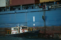 Pilot boat in the port of Colon. © Philip Plisson / Pêcheur d'Images / AA07994 - Photo Galleries - Panama Canal
