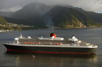 The Queen Mary II in the Caribbean. © Philip Plisson / Pêcheur d'Images / AA08697 - Photo Galleries - Queen Mary II, Birth of a Legend