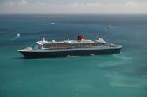 Le Queen Mary II aux Antilles. © Philip Plisson / Pêcheur d'Images / AA08699 - Photo Galleries - Queen Mary II [The]
