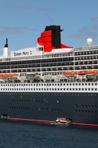 Le Queen Mary II. © Philip Plisson / Pêcheur d'Images / AA08708 - Photo Galleries - Queen Mary II [The]