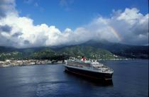 Le Queen Mary II aux Antilles. © Philip Plisson / Pêcheur d'Images / AA08718 - Photo Galleries - Queen Mary II [The]