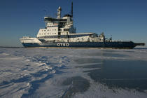 Icebreaker in the Baltic Sea. © Philip Plisson / Pêcheur d'Images / AA09099 - Photo Galleries - Icebreaker in the Baltic