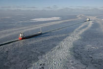Icebreaker in the Baltic Sea. © Philip Plisson / Pêcheur d'Images / AA09106 - Photo Galleries - Icebreaker in the Baltic