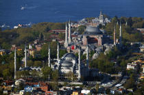 The Blue mosque and the Holy mosque Sophie in Istanbul. © Philip Plisson / Pêcheur d'Images / AA09329 - Photo Galleries - Istanbul, the Bosphorus