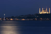 Istanbul by night. © Philip Plisson / Pêcheur d'Images / AA09457 - Photo Galleries - Istanbul, the Bosphorus