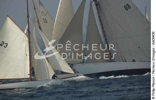 Moonbeam during the Voiles of St Tropez. - © Philip Plisson / Pêcheur d'Images / AA09806 - Photo Galleries - Classic Yachting