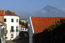 The Pico volcano viewed from the Faial Island in the Azores. © Philip Plisson / Pêcheur d'Images / AA10677 - Photo Galleries - Pico