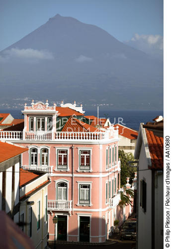 The Pico volcano viewed from Faial island in the Azores. - © Philip Plisson / Pêcheur d'Images / AA10680 - Photo Galleries - Faial and Pico islands in the Azores