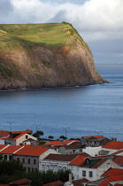 Coast of Faial Island in the Azores. © Philip Plisson / Pêcheur d'Images / AA10689 - Photo Galleries - Faial and Pico islands in the Azores
