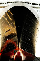 The Queen Mary 2. © Philip Plisson / Pêcheur d'Images / AA10859 - Photo Galleries - Queen Mary II [The]