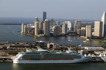 Miami. © Philip Plisson / Pêcheur d'Images / AA11381 - Photo Galleries - Big Cruises