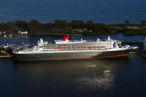 The Queen Mary 2 in Miami. © Philip Plisson / Pêcheur d'Images / AA11437 - Photo Galleries - Queen Mary II [The]