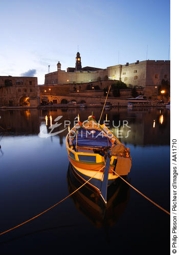 End of the day on Malta. - © Philip Plisson / Pêcheur d'Images / AA11710 - Photo Galleries - Colours of Malta
