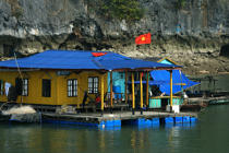 Dwelling in Along Bay. © Philip Plisson / Pêcheur d'Images / AA12450 - Photo Galleries - Along Bay, Vietnam