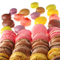 Macaroons. © Guillaume Plisson / Pêcheur d'Images / AA12879 - Photo Galleries - Gourmet food