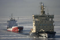 Icebreaker in the Baltic sea. © Philip Plisson / Pêcheur d'Images / AA14123 - Photo Galleries - Icebreaker in the Baltic