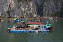 Floating house in bay of Ha Long. © Philip Plisson / Pêcheur d'Images / AA14135 - Photo Galleries - Along Bay, Vietnam
