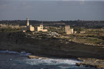 Lighthouse on the coast in Malta. © Philip Plisson / Pêcheur d'Images / AA14153 - Photo Galleries - Colours of Malta