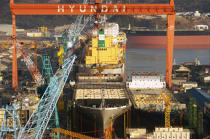The harbour city of Ulsan in South Korea. © Philip Plisson / Pêcheur d'Images / AA14203 - Photo Galleries - Hyundai Shipyard, the largest shipyard in the world, South Korea