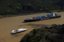 Panama Canal. © Philip Plisson / Pêcheur d'Images / AA14265 - Photo Galleries - Big Cruises