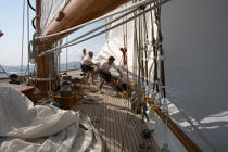 On board Eléonora © Philip Plisson / Pêcheur d'Images / AA15703 - Photo Galleries - Gaff schooner