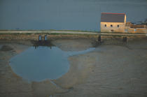 Tidal mill on the Crach river © Philip Plisson / Pêcheur d'Images / AA16776 - Photo Galleries - Morbihan