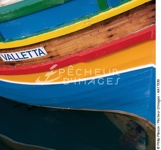 Fishing boat on Malta. - © Philip Plisson / Pêcheur d'Images / AA17939 - Photo Galleries - Sea decoration