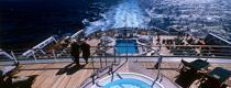 On the QM2 deck © Philip Plisson / Pêcheur d'Images / AA18933 - Photo Galleries - Queen Mary II [The]
