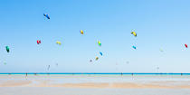 Kite surfing on the beach of El Gouna. © Philip Plisson / Pêcheur d'Images / AA19386 - Photo Galleries - Beach