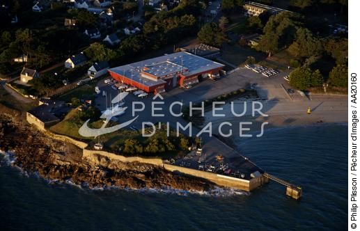 Ecole De Voile Saint Pierre Quiberon Aa20160 Philip Plisson Photo Pecheur D Images