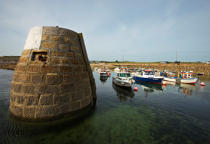 The port of Cape Levi. © Philip Plisson / Pêcheur d'Images / AA25955 - Photo Galleries - From Barfleur to Granville