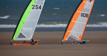 Grand Prix Tanks sailing Omaha Beach [AT] © Philip Plisson / Pêcheur d'Images / AA28723 - Photo Galleries - Sand yachting at Omaha Beach