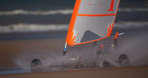 Grand Prix Tanks sailing Omaha Beach [AT] © Philip Plisson / Pêcheur d'Images / AA28733 - Photo Galleries - Sand yachting at Omaha Beach