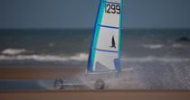 Grand Prix Tanks sailing Omaha Beach [AT] © Philip Plisson / Pêcheur d'Images / AA28762 - Photo Galleries - Sand yachting at Omaha Beach