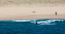 Kitesurfing in Hossegor Capbreton © Philip Plisson / Pêcheur d'Images / AA29797 - Photo Galleries - Aquitaine