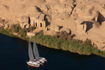 On the banks of the Nile © Philip Plisson / Pêcheur d'Images / AA30382 - Photo Galleries - Egypt from above