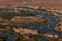 Assuan on the Nile. © Philip Plisson / Pêcheur d'Images / AA30430 - Photo Galleries - Egypt from above