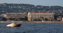 The Hotel Carlton in Cannes © Philip Plisson / Pêcheur d'Images / AA32132 - Photo Galleries - From La Napoule to Menton