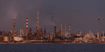 The Lavera oil port in the Gulf of Fos [AT] © Philip Plisson / Pêcheur d'Images / AA32482 - Photo Galleries - From Sète to Martigues