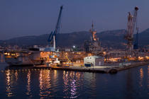 The military port of Toulon © Philip Plisson / Pêcheur d'Images / AA32547 - Photo Galleries - Var
