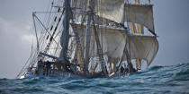 The Belem between Groix and Belle-Ile [AT] © Philip Plisson / Pêcheur d'Images / AA32750 - Photo Galleries - Maritim school aboard Belem tallship