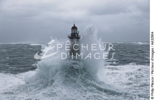 The storm Joachim on the Brittany coast. [AT] - © Philip Plisson / Pêcheur d'Images / AA32864 - Photo Galleries - Winters storms on Brittany coasts