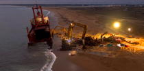 Deconstruction of cargo TK Bremen on the beach of Erdeven [AT] © Philip Plisson / Pêcheur d'Images / AA33069 - Photo Galleries - Night