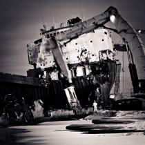 Deconstruction of the cargo at Bremen TK Erdeven [AT] © Guillaume Plisson / Pêcheur d'Images / AA33310 - Photo Galleries - The aesthetics of chaos by Guillaume Plisson