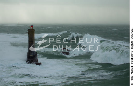 Nividic lighthouse - © Philip Plisson / Pêcheur d'Images / AA37227 - Photo Galleries - Wave